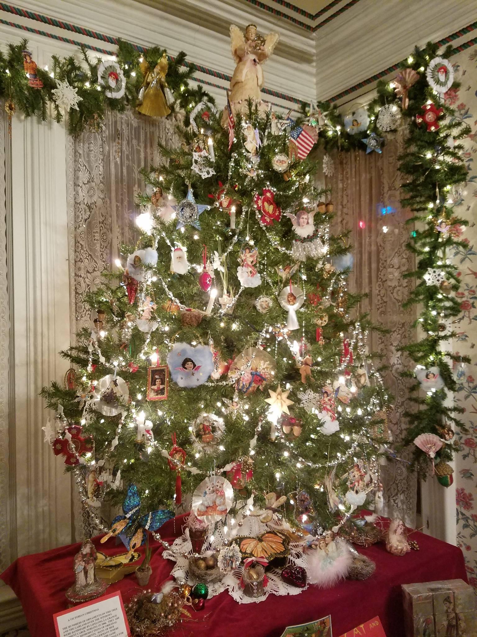 Victorian Christmas Tree La Grange